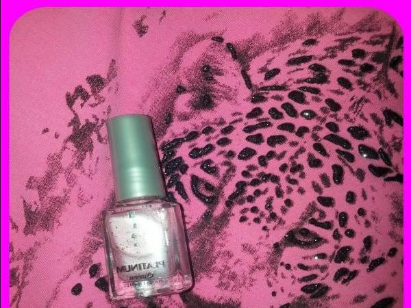 Strawberry ice cream with chocolate sprinkles - nail Polish Platinum - review