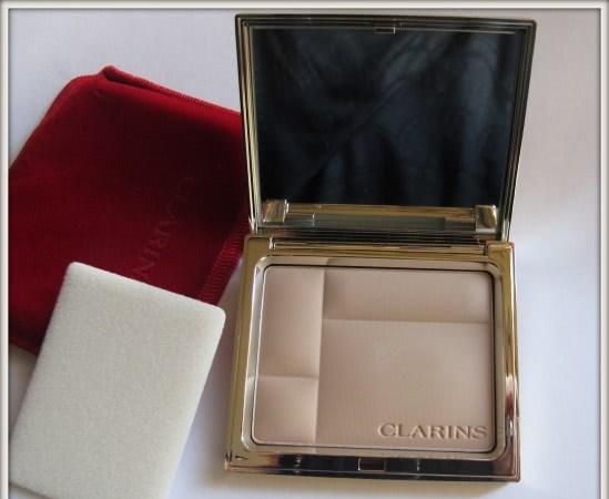 Любимица Clarins Ever Matte Mineral Powder Compact SPF 15 01 transparent light и 02 transparent medium - отзыв
