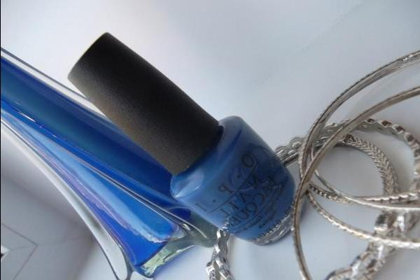 OPI Dating A Royal - review