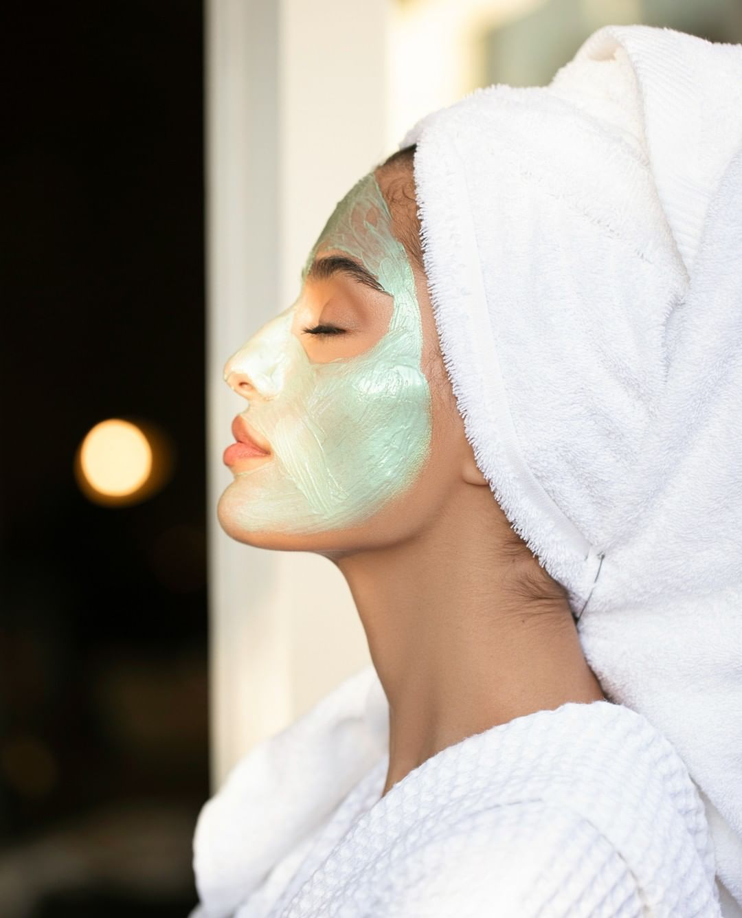 AHAVA - We love our skin, but we don't always love when it gets red and irritated during the heat of summer. Our Brightening & Hydrating Mask is made with mineral-rich mud that hydrates, brightens, an...