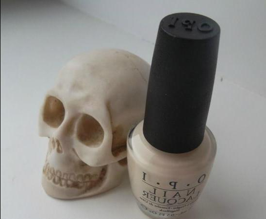 OPI My Vampire is Buff - review