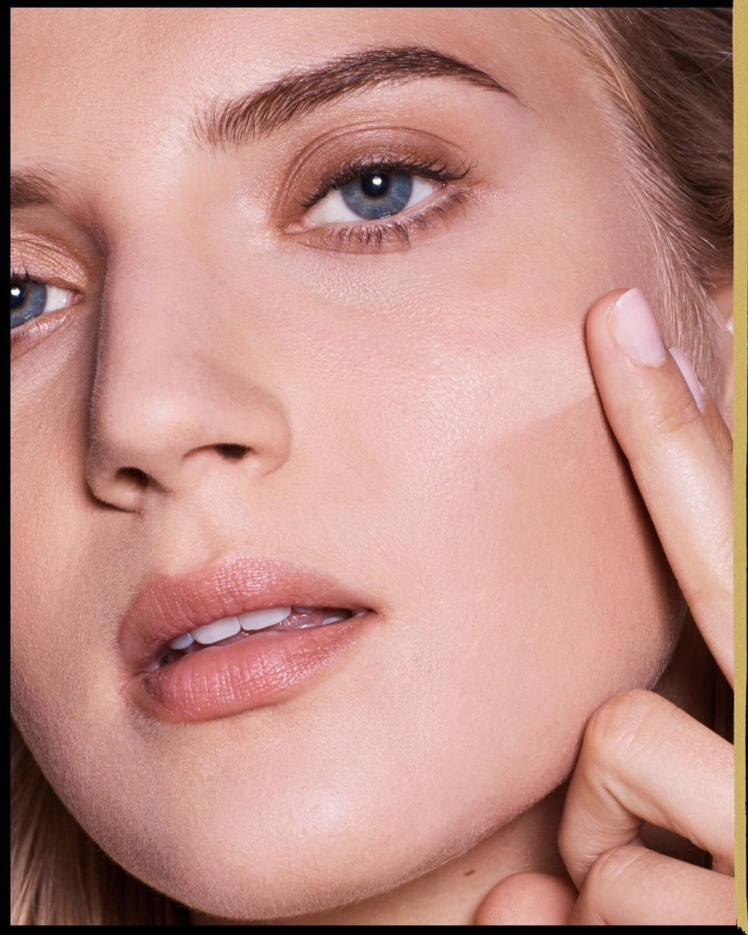 Max Factor - How to use  Miracle Second Skin foundation in a few steps : 1.  Find your shade (it's available in 13 different shades) 2. Apply a small amount of foundation to your fingertips 3. Apply t...
