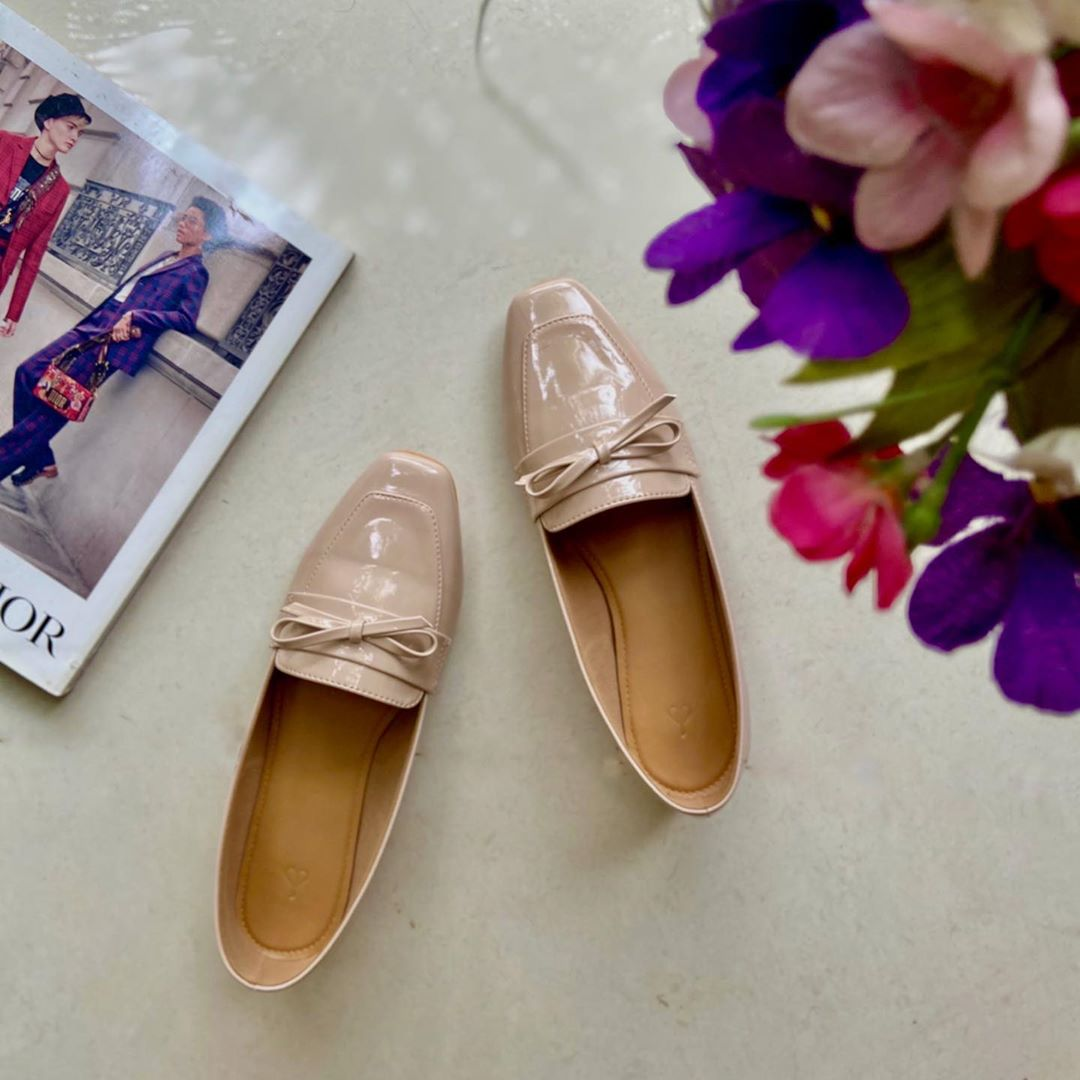 The Label Life - #TheLabelShoesday: Looking for an excuse to head out for a sunny afternoon stroll? Slip on these chic nude patent bow loafers and a pair of sunnies and you're good to go.    Link in b...